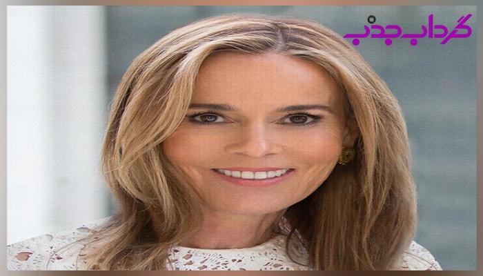 10 زن ثروتمند برتر دنیا: جولیا کوچ و خانواده